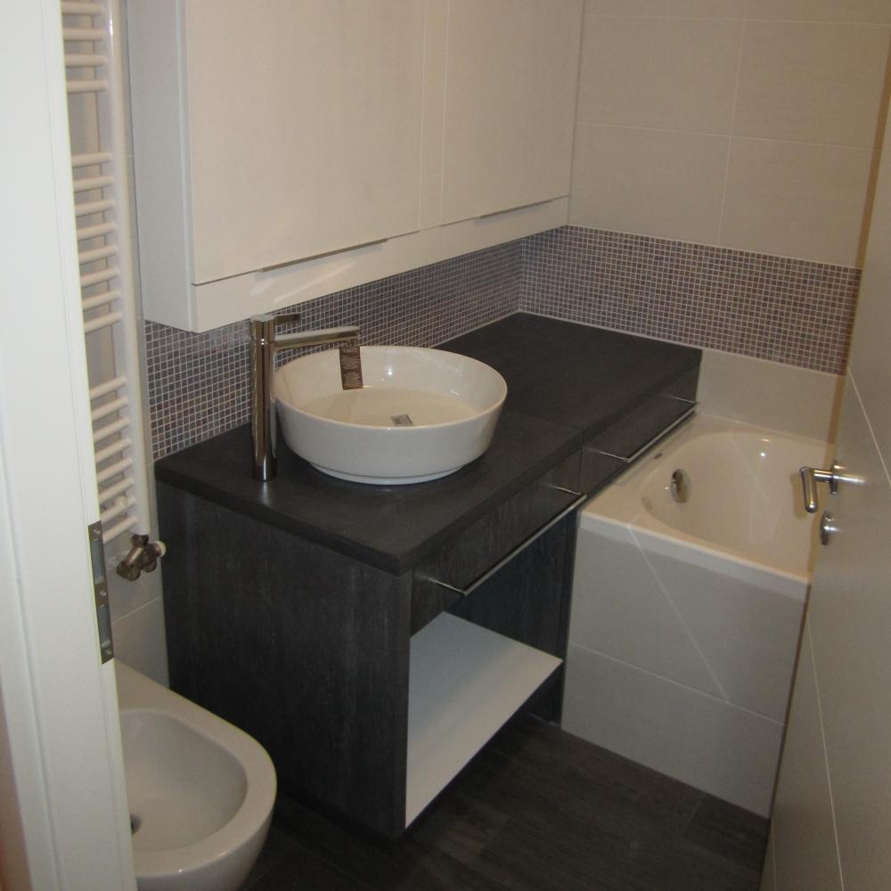 kopalnica s skritim prostorom